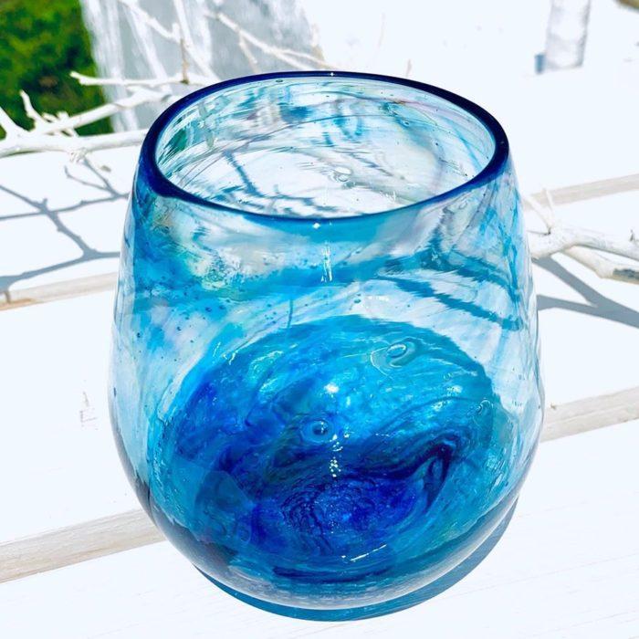 青色たる型グラス。